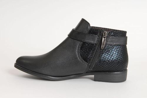c44c3c9c551c A Tamaris az a márka, amelynek hallatán mindenkinek a minőségi női lábbelik  ugranak be – nem véletlenül. Gyártója, a német Wortmann az egyik legnagyobb  a ...