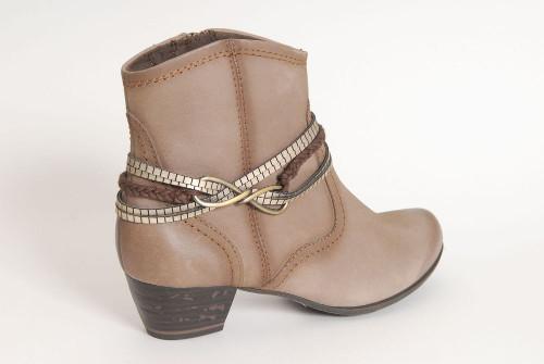 6f0b88dc5084 ... divatos és kényelmes, minőségi női lábbeli szinonimája. Tamaris cipő  bokacipő Tamaris papucscipő pumps